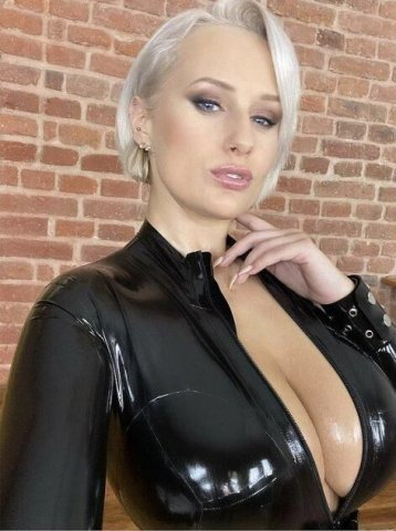 I'm Naughty Kira I'm available for both Incall and outcall service tex - 1