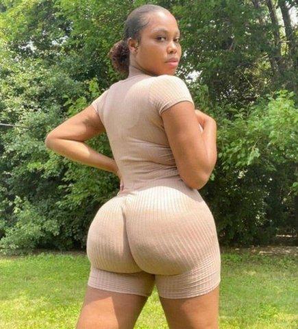 Hi hmu on snapchat @sexy_mock4 to meet me faster - 4