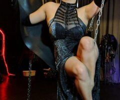 Sensual Chinese Dominatrix leading you along the path toward sexual enlightenment - Image 2