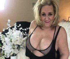 Amy - Debbie 2 Mature Busty Pumas Hosting and available Monday September 13th. Need to be Verified first ❤ - Image 3