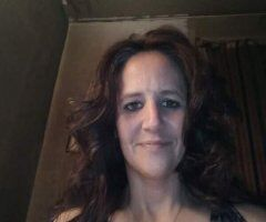 Kansas City female escort - Looking to meet right Now its 3:00am and im available