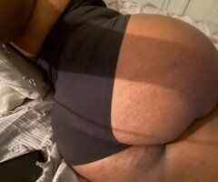 Detroit female escort - Come see me...Im available and ready