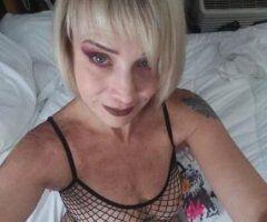 Tampa female escort - sunday service