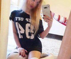 Harrisburg female escort - (NewPics)⋆❥–P e t i t e->【BLONDE 】_✧ ʙεαυтʏ_OUTCALLS