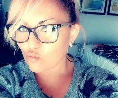 Oklahoma City female escort - very addicting lyrica's luscious lips all over body...blonde bombshell
