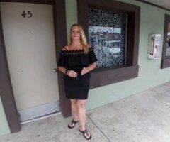 Louisville female escort - SEXY cougar and sexual massage