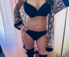 Phoenix female escort - Didn't want a desk job