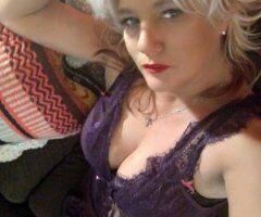 Dallas female escort - Hot Blonde plus Dallas Cowboys.. Wanna see my Pom Poms