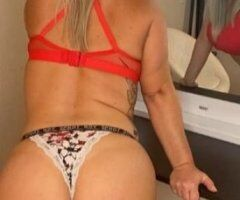 Milwaukee female escort - Jessie and friends lol,Available today,text me if we have unfinished business lol