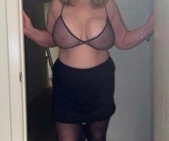 Los Angeles female escort - l recommend pre- booking Gents .Amy34EE Visiting LA California LAX. Sept 23rd thru 27. Doubles available also. xoxo