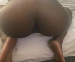 hey daddies cum get this slim sexy chocolate pussy im available all day incalls only qv100 hh150 hr200 / car dates