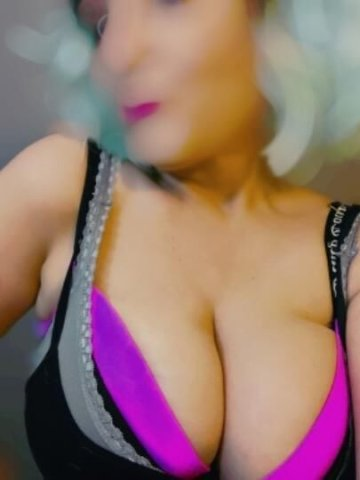 HUGE MILKY TITS text me now - 1