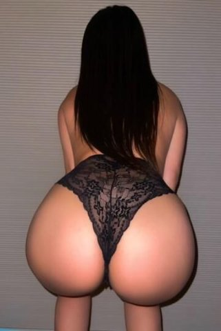 ✨5'5 LATINA with Massive Booty - HOLLYWOOD - 4