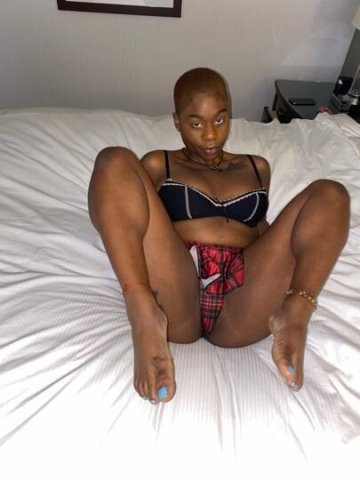TEXT ME IM UP !!!The only Nigerian Queen...trick o treat hourly only 🍭🍬❣ MORE CONTENT MESSAGE ME - 6