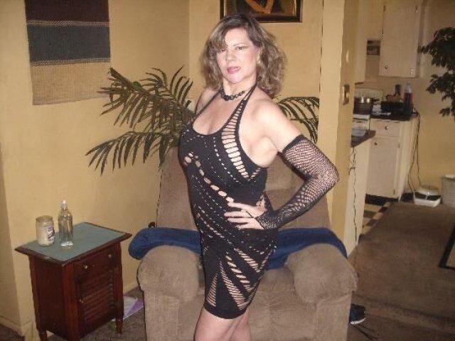 HONEST POST (( ELLIE ANN )) 51 years Older LADY. - 11