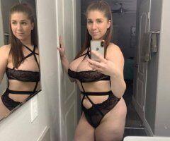 Hartford female escort - Hey guys am online for fun🌺Snapchat😘Bellalizzy8805