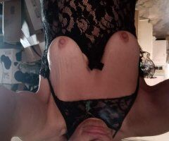 Pueblo female escort - What the 2 best things to do on a Sunday morning......