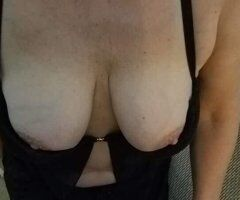 Green Bay female escort - Sexy, Mature Playmate Ready to Satisfy You!